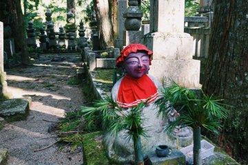 Добрый дух на кладбище