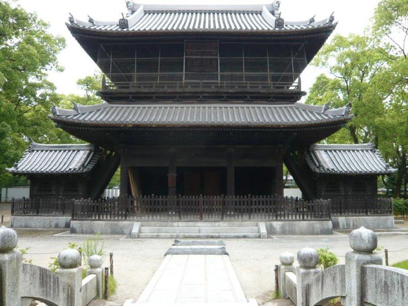 Temple Sanmon Gate