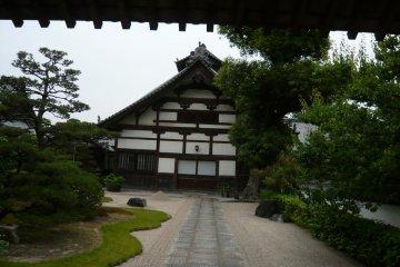 Shofuku-ji Temple compound
