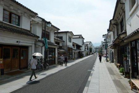ถนนนะคะมะชิ โดะริ ในมัตซึตโมะโตะ
