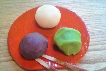Uguisu dango, nice texture, nice flavours