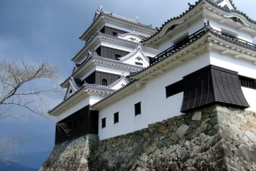 Ozu Castle - An Authentic Reconstruction