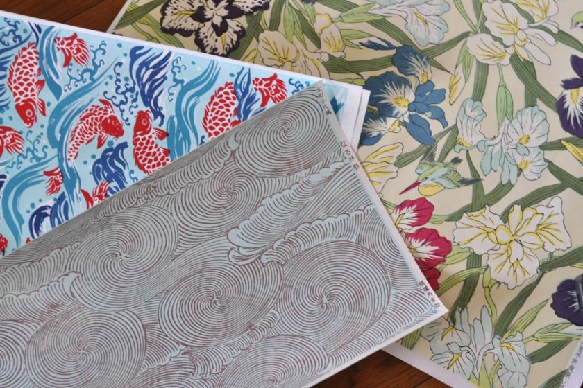 My finds; the smaller papers range from ¥126 (waves) to ¥315 (goldfish), and the larger prints are ¥840 and up