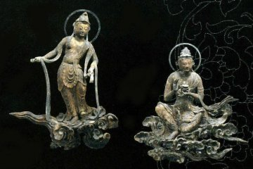 Worshipping Bohisattvas on clouds