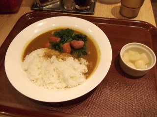 Spinach and sausage curry