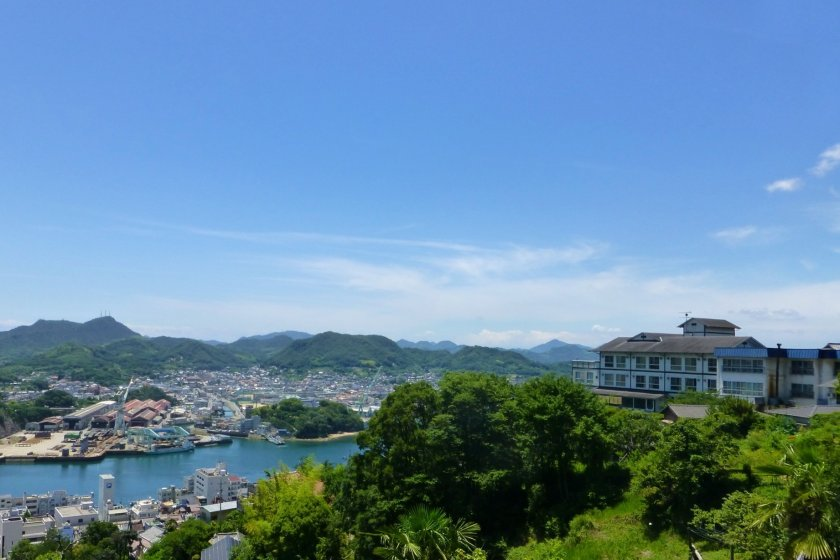 Senkoji Sanso perched over Onomichi