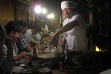 Eat Street di Omoide Yokocho