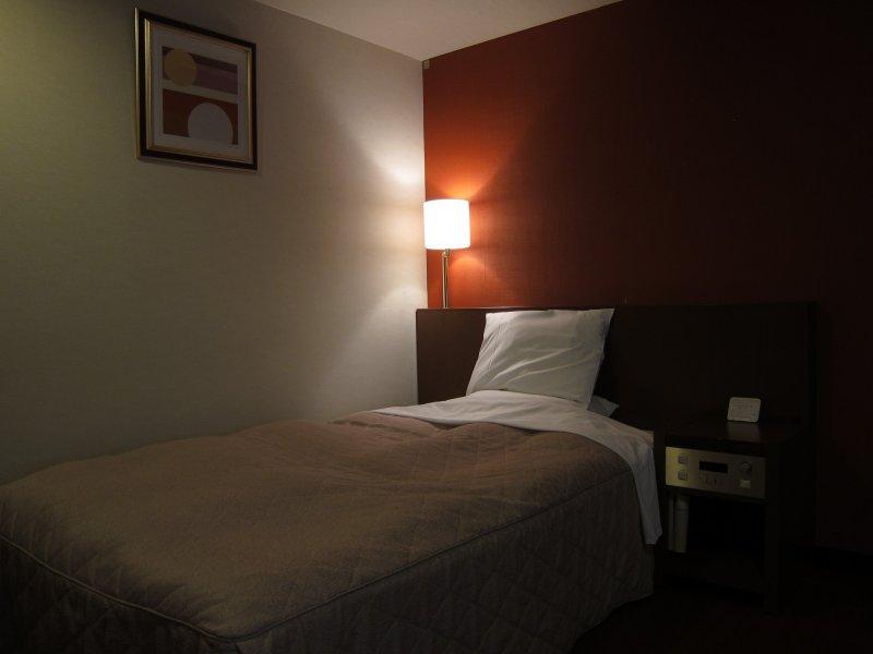 Single Room with nightlight