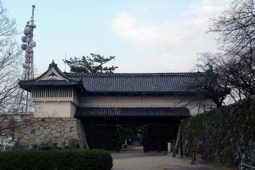 <p>Castle entrance</p>