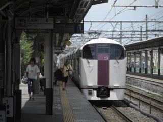 石和温泉(いさわおんせん)駅に到着