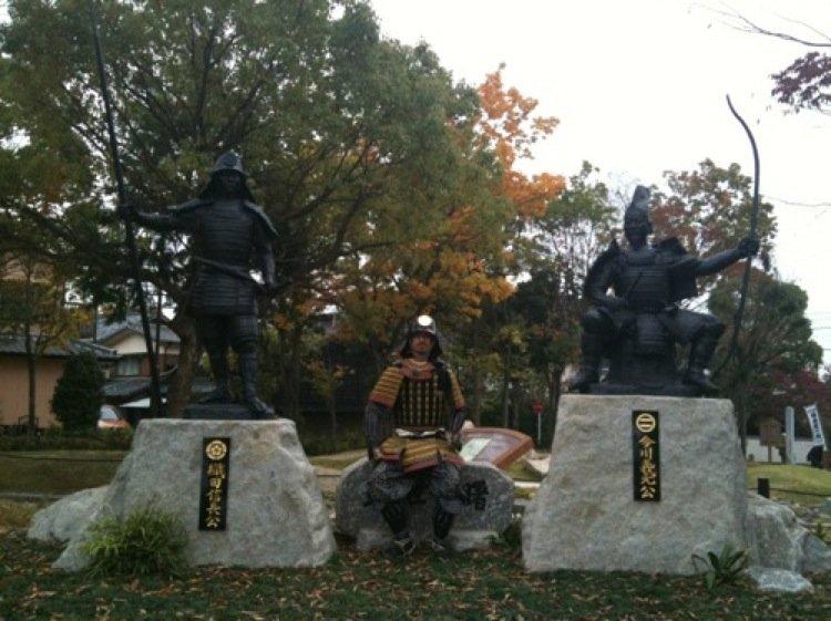 The author in original samurai armour joins Imagawa Yoshimoto and Oda Nobunaga