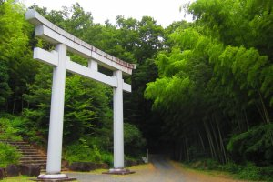 Japan's largest stone Torii, courtesy of local quarries
