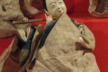 Старинная кукла в музее Мацумото