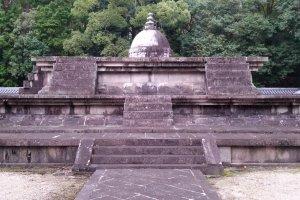 位于唐招提寺境内的戒坛