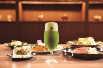 Savor a wide variety of tea and the delicious tea-inspired cuisine at Hotel 1899 Tokyo's Deli & Bar