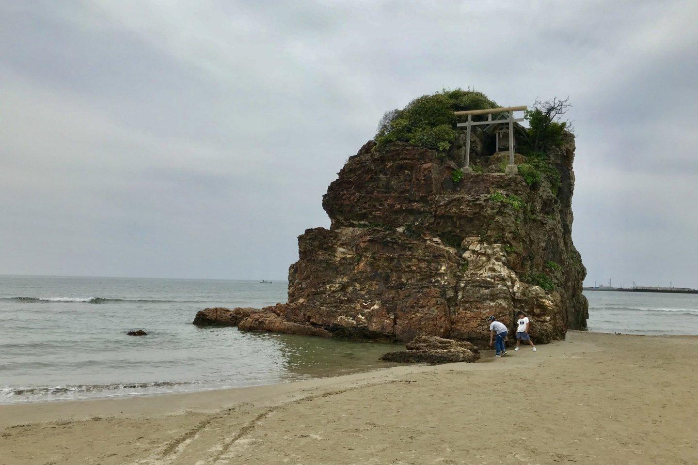 Bentenjima Shrine at Inasanohama Beach