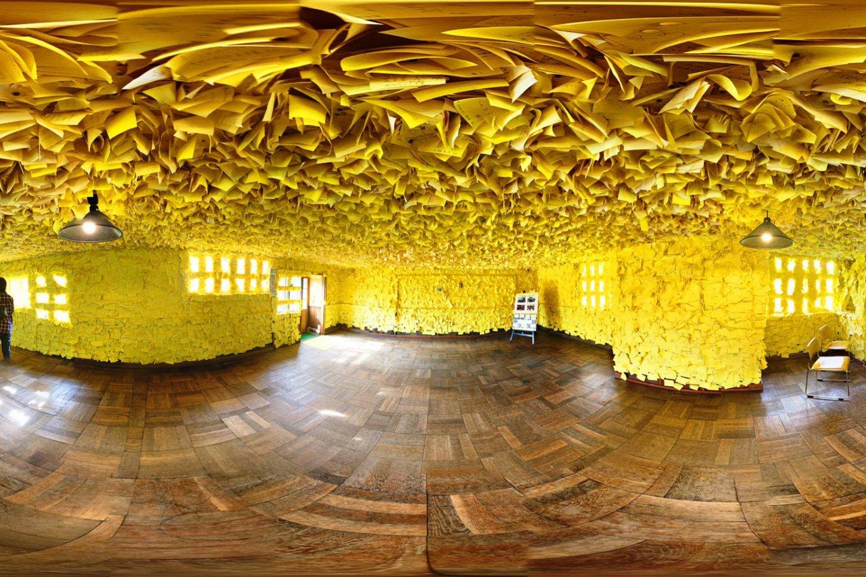 Inside the Yellow Handkerchief Set in Yubari