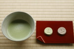 Matcha tea and wagashi sweets in Meimei-an