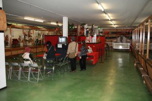 The single floor museum is always full of visitors.