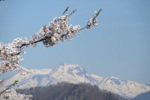 Весна в горах Хида