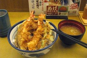 Королевские креветки в тэмпуре с рисом