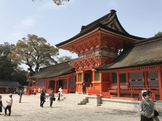 The grand walkways and halls attest to the importance of this Shrine in Japanese history