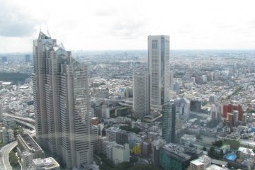 Тройное здание - Shinjuku Park Tower