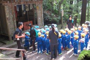 Дети в храме Ямадэра