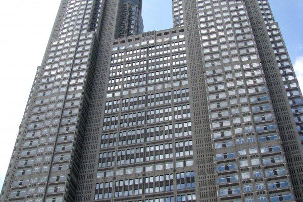Небоскрёбы Правительственного здания Токио Метрополитан в Синдзюку
