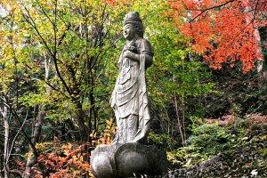 Statue at Rakenji