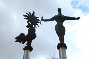 Стилизованные скульптуры в Икебукуро