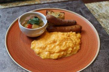Western-style breakfast at La Bombance Gion