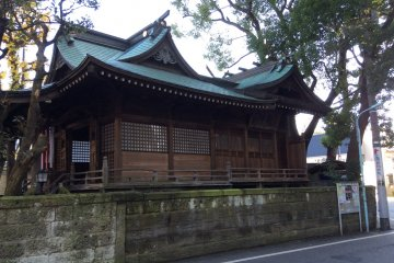 Shrine building seen from the street