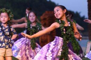 Appreciating hula dance events
