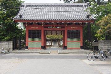 The main gate of Zenyoji Temple in Edogawa City