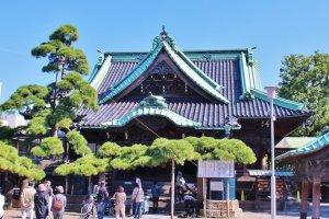 The venerable Shibamata Tashakuten Temple