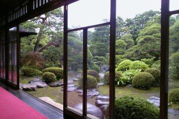 The beautiful gardens of Yamamoto-tei Tea House