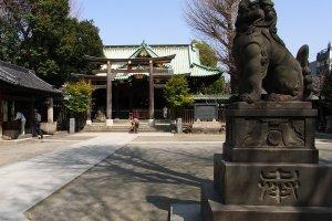 A komainu guardian protecting the shrine