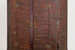 적칠 기법 느티나무 주자(赤漆文欟木御厨子),           나라국립박물관에서 전시