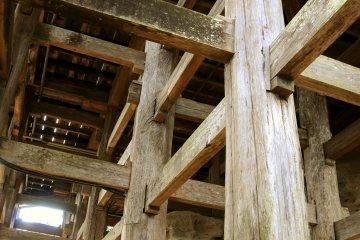 The pillars of the Kannon-do