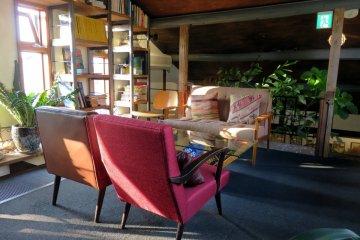 Hackberry Café: upstairs.