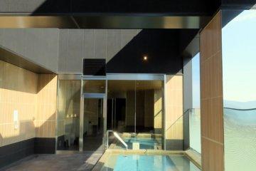Open air bath at Candeo Hotels Nara Kashihara.