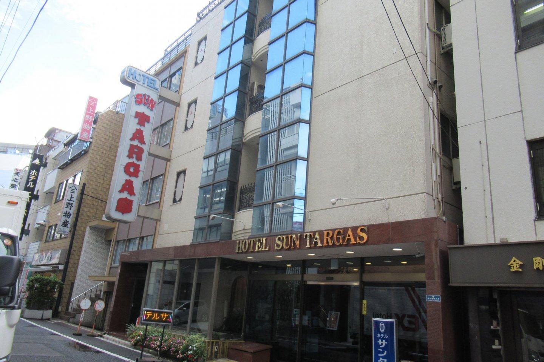 Здание отеля Suntargas Ueno