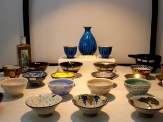 The products are displayed as if it were a ceramics exhibition