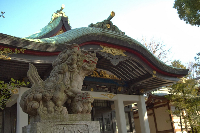 Komainu standing guard over the main hall