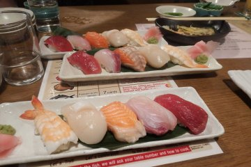 The sushi included with the fishing set course.