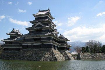 Замок Чёрного ворона в Мацумото