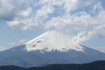 Вершина Фудзи-сан расчищается - ура!