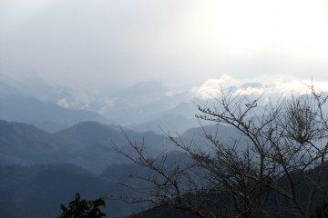Вид с горы Такао-сан