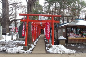 Red torii gate are always picturesque